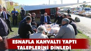 PAZARCI ESNAFINDAN BAŞKAN ORHAN'A KAHVALTI SÜRPRİZİ
