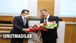 Başkan Sunar'a 'Sürpriz Avukatlar Günü kutlaması'