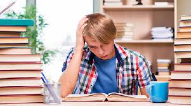 Sınav stresinden dişleri kırılıyor
