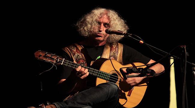 Ahmet Aslan'dan solo performans