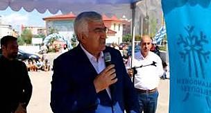 Ak Parti Erzurum İl Başkanı Mehmet Emin Öz Millet Bahçesi'nin açılış töreninde konuştu