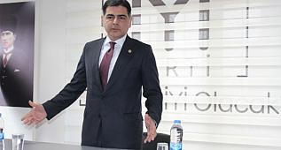 Milletvekili Cinisli'den Dumlu'nun İstifasına yönelik açıklama